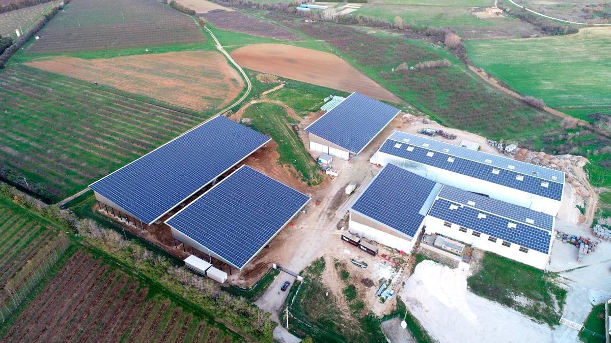 centrale solaire en toiture agricole -bâtiments de stockage